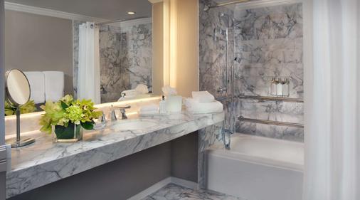 LaPlaya Beach & Golf Resort - A Noble House Resort - Naples - Bathroom