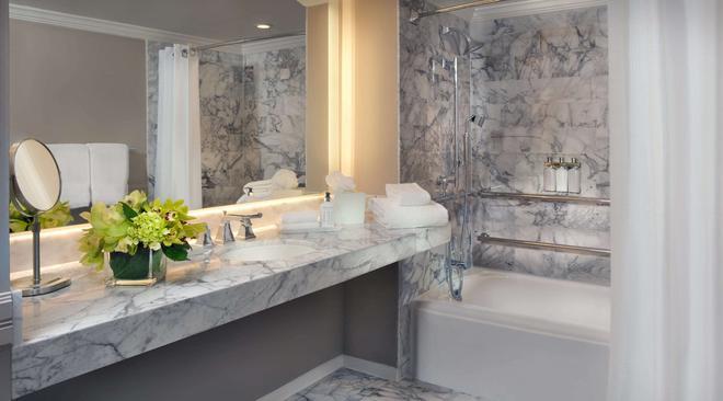 LaPlaya Beach & Golf Resort - A Noble House Resort - Naples - Phòng tắm