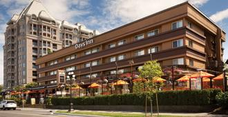 Days Inn by Wyndham Victoria On The Harbour - Victoria - Bangunan