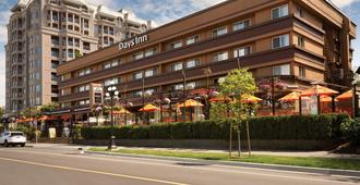 Days Inn by Wyndham Victoria On The Harbour - Victoria - Rakennus