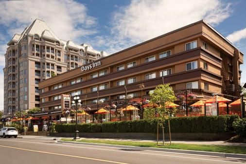 Days Inn by Wyndham Victoria On The Harbour - Victoria - Building