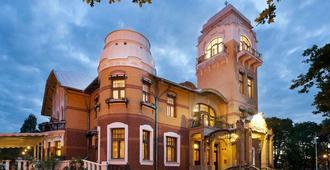 Villa Ammende Restaurant & Hotel - Pärnu - Edifício