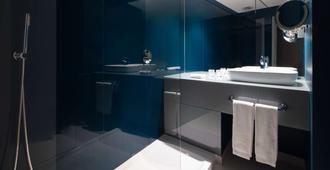Tivoli Oriente - Lisbon - Bathroom