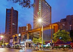 Holiday Inn Express Medellin - Medellín - Edificio