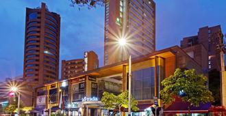 Holiday Inn Express Medellin - Medellín - Building