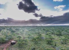 Rhino River Lodge - Hluhluwe - Vista del exterior