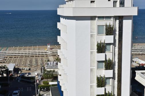 Hotel Daniel's - Riccione - Θέα στην ύπαιθρο
