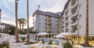 水族夢特嬌酒店 - 聖塔蘇珊納 - 聖蘇珊娜 - 建築