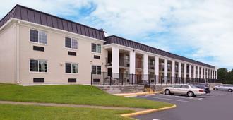 Americas Best Value Inn Richmond South - Richmond - Rakennus