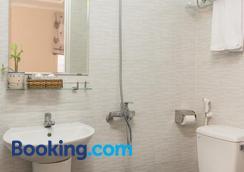 Seasala Hotel - Vũng Tàu - Bathroom