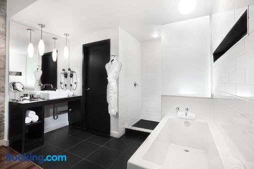 Hotel Metro - London - Bathroom