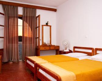 Flisvos Hotel - Ios - Bedroom