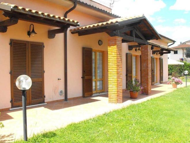 Villa Etruria Guest House - Pitigliano - Building