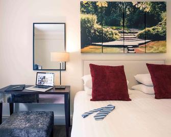 Mercure Box Hill Burford Bridge Hotel - Dorking - Bedroom