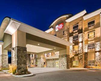 Best Western Plus Okotoks Inn & Suites - Okotoks - Building