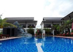 Savanh Sunset View Resort - Vang Vieng - Pool