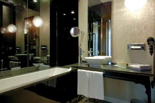 Vincci Palace - Valencia - Bathroom