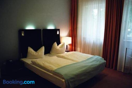 Dämeritzseehotel - Berlin - Bedroom