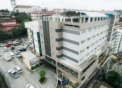 Citylight Hotel - Baguio - Gebäude
