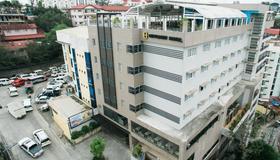 Citylight Hotel - Baguio - Rakennus