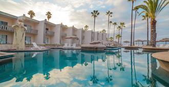 Estero Beach Hotel & Resort - אנסנדה - בריכה