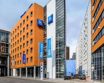 Ibis Budget Hannover Hauptbahnhof - Hannover - Building