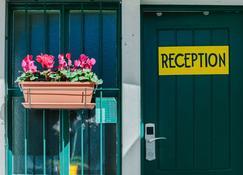 Ljmonade Hostel - Cascais - Außenansicht