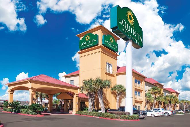 La Quinta Inn & Suites by Wyndham Beaumont West - Beaumont - Building
