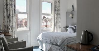 The New England - Eastbourne - Bedroom