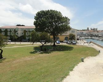 Hôtel Le Galion - Saint-Martin-de-Ré - Вигляд зовні