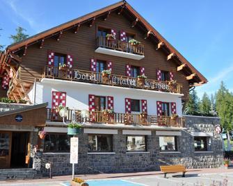 Hotel Le Chalet Suisse - Guillaumes - Gebäude
