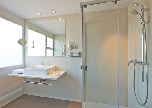 NH Barcelona Stadium - Barcelona - Bathroom