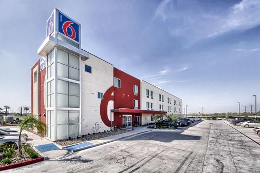 Motel 6 Weslaco, TX - Weslaco - Building