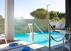 Residence Mareamare - Grottammare - Pool