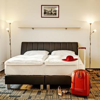 Efi Hotel - Brno - Camera da letto