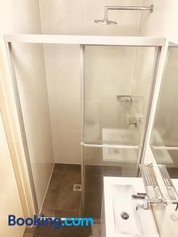 Summer House Newtown - Sydney - Phòng tắm