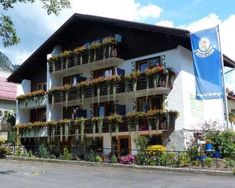 Hotel Restaurant Amadeus - Bad Hindelang - Gebouw