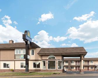 Days Inn by Wyndham Newport OR - Newport - Toà nhà