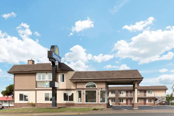 Days Inn by Wyndham Newport OR - Newport - Edificio