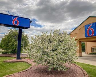 Motel 6 Elkhart, IN - Elkhart - Building