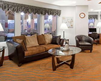 Baymont by Wyndham Rolla - Rolla - Living room