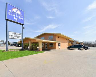 Americas Best Value Inn Ponca City - Ponca City - Building
