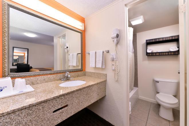 Americas Best Value Inn Ponca City - Ponca City - Baño