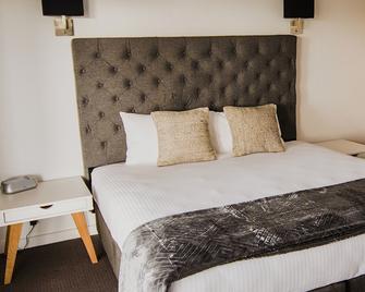 Quays Hotel - Batemans Bay - Bedroom