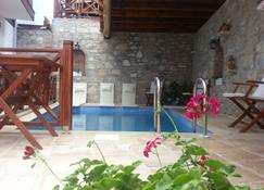 Amazon Petite Palace - Selcuk - Piscina
