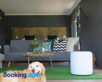 The Studio @ Mount View Lodge - Sedgefield - Living room