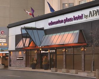 Coast Edmonton Plaza Hotel by APA - Едмонтон - Building