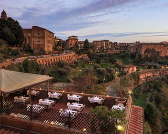 Hotel Athena - Siena - Outdoor view