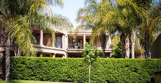 Silver Palms Guest House - Pretoria - Building