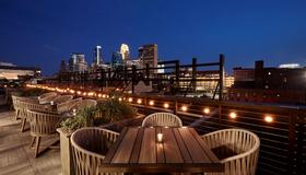 Hewing Hotel - Minneapolis - Balcony